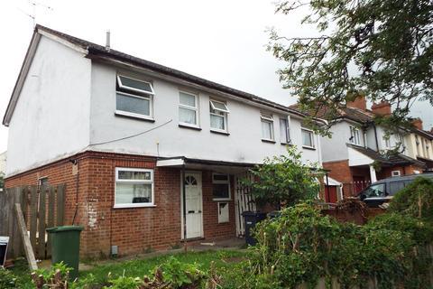Studio to rent - Maidenhall Road, Luton