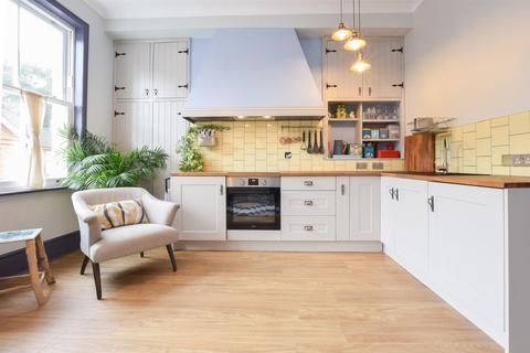 1 bedroom flat for sale - Kenilworth Road, St. Leonards-On-Sea
