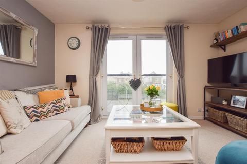 1 bedroom flat for sale - Lovat Mead, St. Leonards-On-Sea