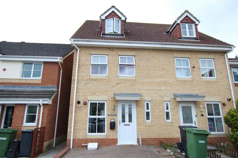 3 bedroom townhouse for sale - Cedar Road, Eastleigh