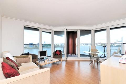 2 bedroom flat for sale - Seacon Tower, 5 Hutchings Street, Isle Of Dogs, London, E14