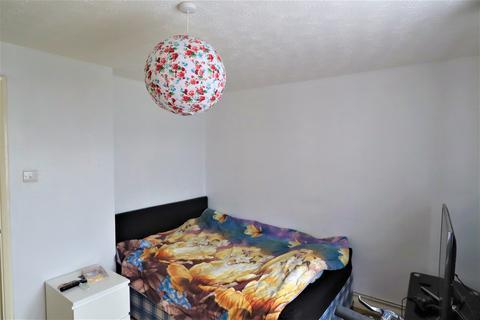 1 bedroom flat to rent - Honey Close, Dagenham, Essex, RM10