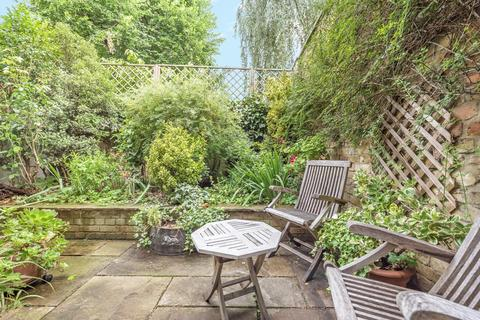 3 bedroom terraced house for sale - Hanover Gardens, Kennington