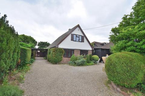 3 bedroom detached house for sale - Bakers Lane, Tolleshunt Major, Maldon, Essex, CM9