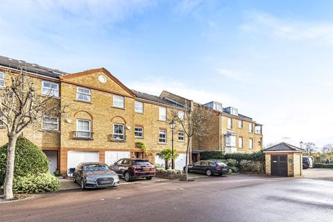 1 bedroom flat for sale - Russell Close, Chiswick