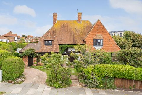 5 bedroom detached house for sale - Chichester Drive East, Saltdean, Brighton, East Sussex, BN2