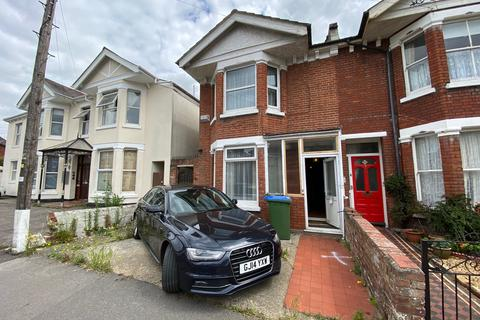 4 bedroom semi-detached house for sale - Morris Road, Polygon, southampton SO15