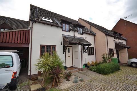 2 bedroom terraced house to rent - Chapman Way, Hatherley