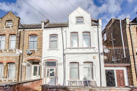 1 bedroom flat to rent - Clova Road, Forest Gate, E7