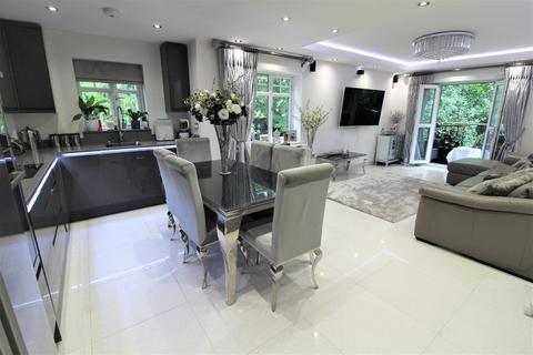 2 bedroom apartment for sale - Claregate, Thornton Road,  Little Heath, Potters Bar, EN6 1BY