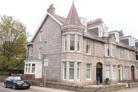 4 bedroom flat to rent - Murray Terrace, Aberdeen, AB11