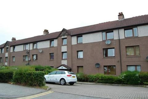 3 bedroom flat to rent - Morrison Drive, Top Floor, AB10