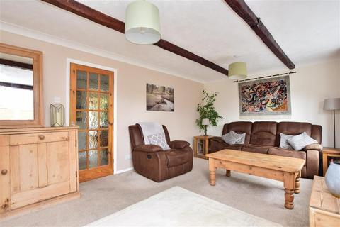 4 bedroom detached house for sale - Juniper Close, Ashford, Kent