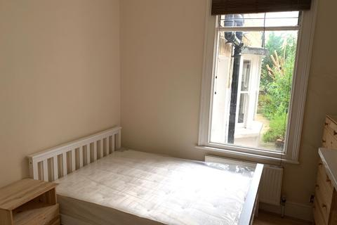 1 bedroom flat share to rent - Ropery Street E3