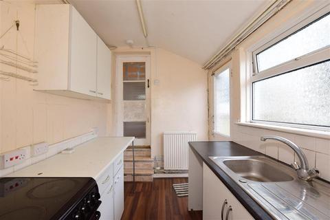 2 bedroom terraced house for sale - Herbert Road, Chatham, Kent