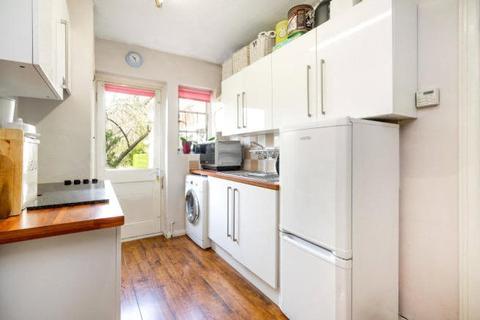 2 bedroom apartment to rent - Ossulton Way, Hampstead Garden Suburb, London, N2