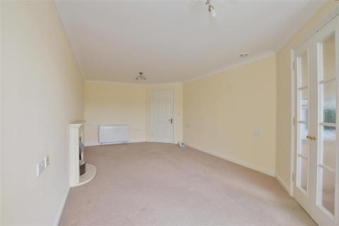 1 bedroom flat - Medway Wharf Road, Tonbridge, Kent