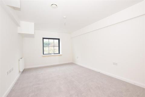 2 bedroom flat for sale - St. Radigunds Road, Ikon V Apartments, Dover, Kent