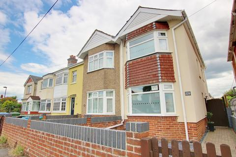 2 bedroom semi-detached house for sale - TWO DOUBLE BEDROOMS! GARAGE! BEAUTIFUL GARDEN!