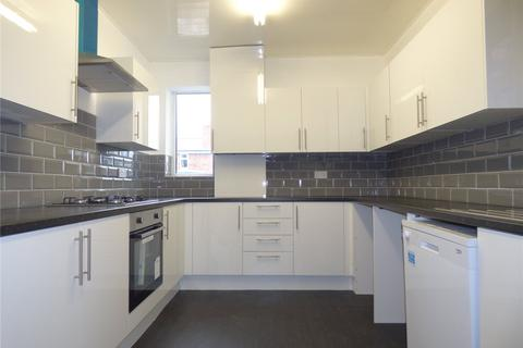 3 bedroom semi-detached house to rent - Poplar Avenue, Oldham, Greater Manchester, OL8
