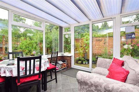 2 bedroom semi-detached bungalow for sale - Foxden Drive, Downswood, Maidstone, Kent