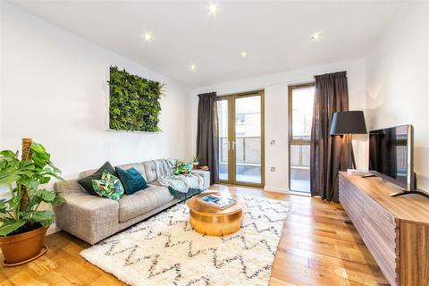 2 bedroom apartment to rent - Crondall Street, London, N1