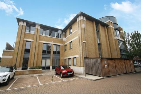 1 bedroom flat for sale - 42 London Road, Staines-upon-Thames, Surrey