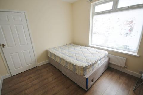 3 bedroom semi-detached house to rent - Westbury Road, Clarendon Park, Leicester LE2