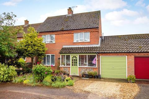 3 bedroom link detached house for sale - Weybourne