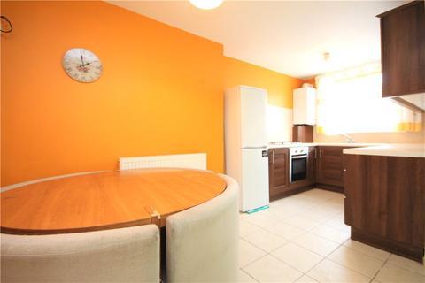 2 bedroom terraced house to rent - Estridge Close, Hounslow, TW3