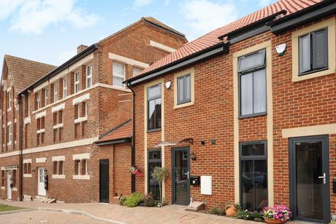 3 bedroom semi-detached house to rent - Beaufort Brewery, Royal Wootton Bassett, Wiltshire, SN4