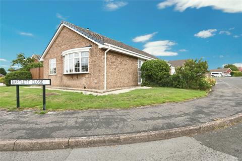 3 bedroom bungalow for sale - Addison Road, Preston, Hull, East Yorkshire, HU12