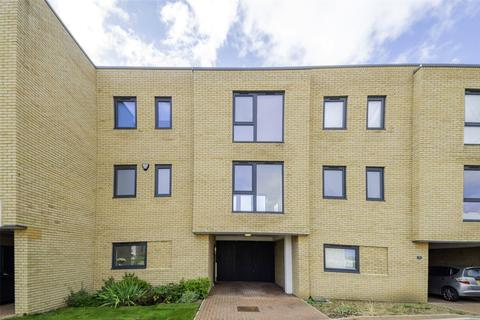 3 bedroom townhouse for sale - Southwell Drive, Trumpington, Cambridge, Cambridgeshire