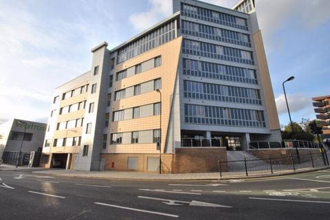 1 bedroom flat to rent - Luminosity Court, W13