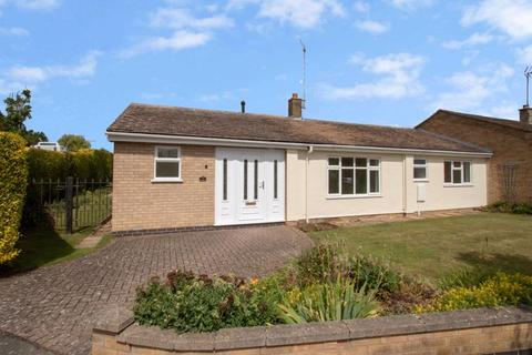 3 bedroom semi-detached bungalow to rent - Northwick Road, Ketton