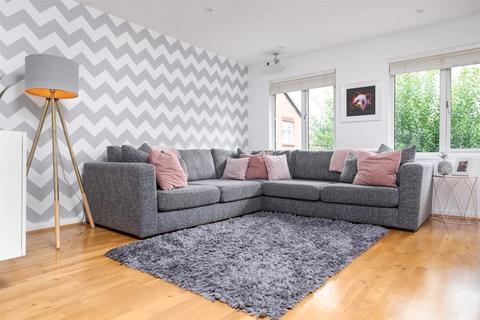 1 bedroom apartment to rent - Limes Grove, London
