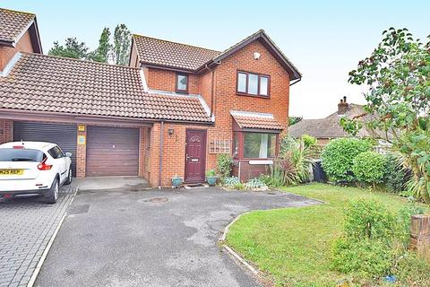 3 bedroom detached house for sale - Leeds Road, Maidstone