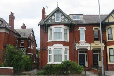 1 bedroom flat to rent - Nantwich Road, Crewe, CW2 6PF