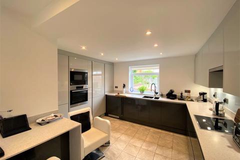 2 bedroom apartment to rent - Cedar Road, Paignton