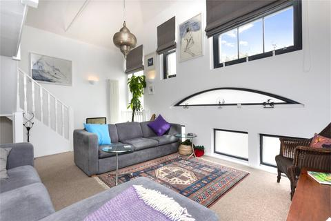 3 bedroom end of terrace house for sale - Holland Mews, Hove, East Sussex, BN3
