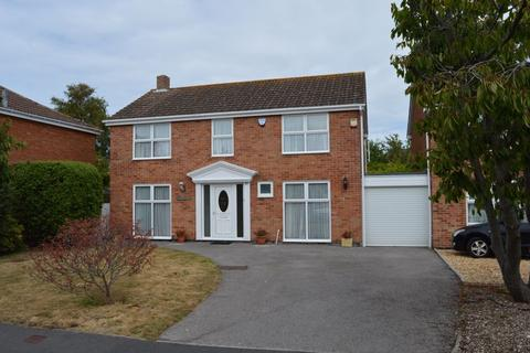 4 bedroom detached house to rent - Selsey Close, Hayling Island.