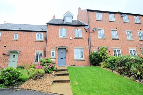 4 bedroom terraced house for sale - Kilcoby Avenue, Swinton, Manchester