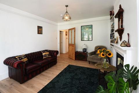 2 bedroom ground floor flat for sale - Arden Road, Finchley Church End, London