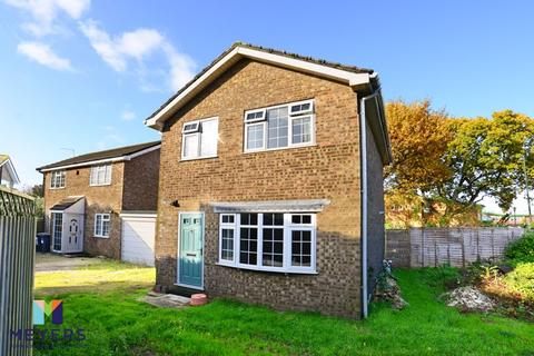 3 bedroom detached house for sale - Downton Close, Throop, BH8