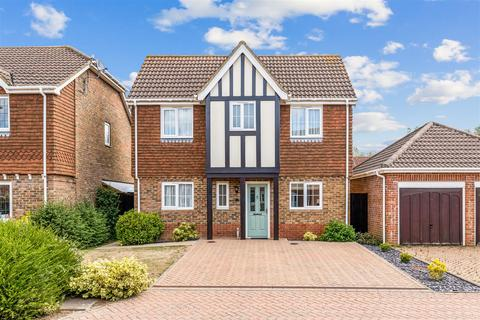 4 bedroom detached house for sale - Haywain Close, Kingsnorth, Ashford