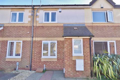 2 bedroom terraced house to rent - St Abbs Close, Hull