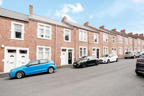 3 bedroom flat for sale - Park Terrace, Swalwell, Newcastle Upon Tyne
