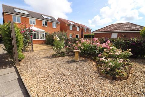 3 bedroom semi-detached house for sale - Rothbury Drive, Portland Park Estate, Ashington