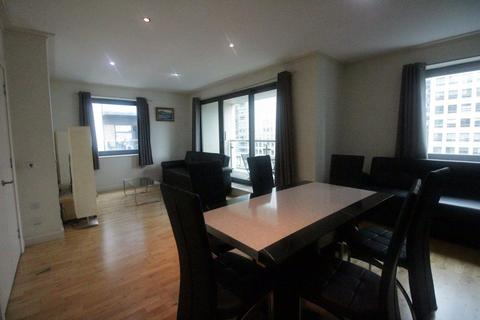 2 bedroom flat to rent - Discovery Dock East, South Quay Square