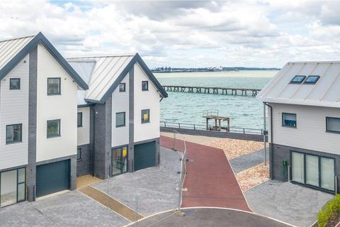 3 bedroom terraced house for sale - Plot 8, Admiralty Pier, King Edward VII Drive, Shotley, Ipswich, IP9